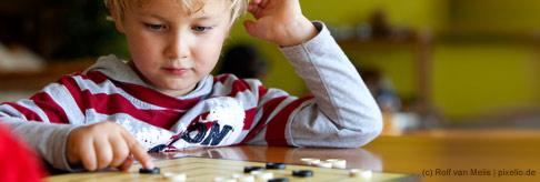 Wie bildet sich mein Kind beim Spielen?