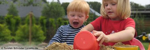 Nesthäkchen und Mittelkinder lernen von ihren Geschwistern