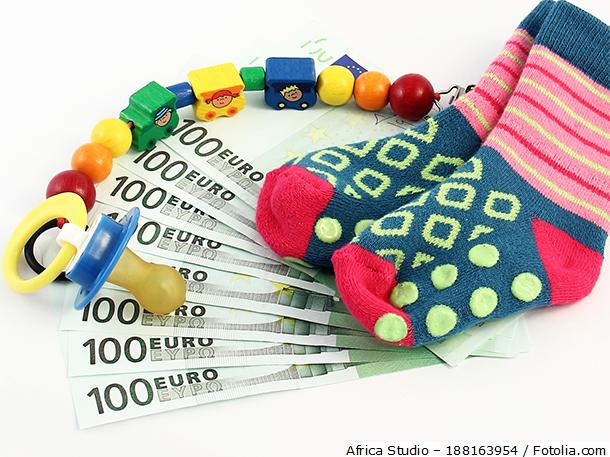 Elterngeld kann für ab Januar 2007 geborene Kinder bezogen werden. Mit dessen Einführung verfolgt die Politik das Ziel, Familien aktiv zu fördern.