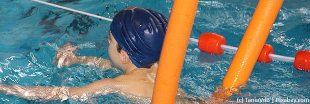 Wie Kinder schwimmen lernen
