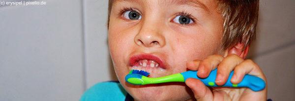 Zähneputzen von Anfang an