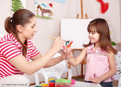 Als Vorbild inspiriert sie viele Mädchen zu ihrem ersten frühen Berufswunsch: Die Kindergärtnerin liegt auf Platz 6 mit 3,6%.