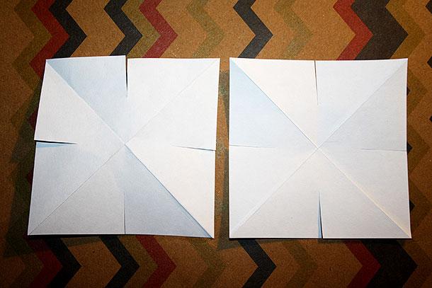 Das Dreieck für den Weihnachtsstern wird auseinander gefaltet