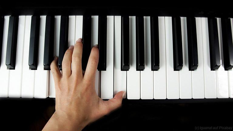 Warum deine Kinder von zu Hause aus Klavier spielen lernen sollen