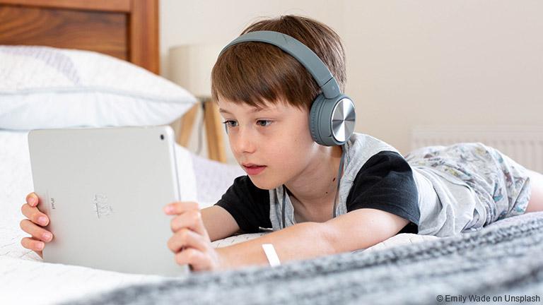 Elternschaft im Zeitalter der Bildschirme