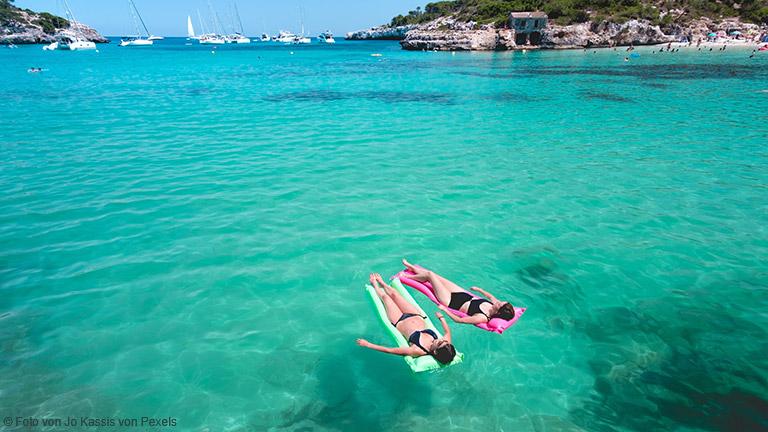 Mehr als einige T-Shirts und Shorts werden Sie während ihres sommerlichen Kurz-Trips nach Mallorca nicht benötigen